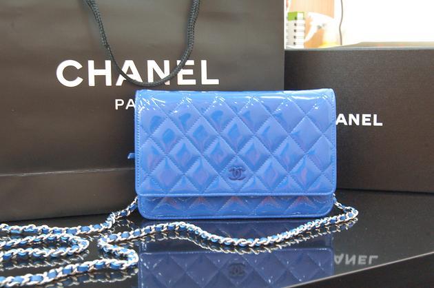香奈儿新款蓝色包包